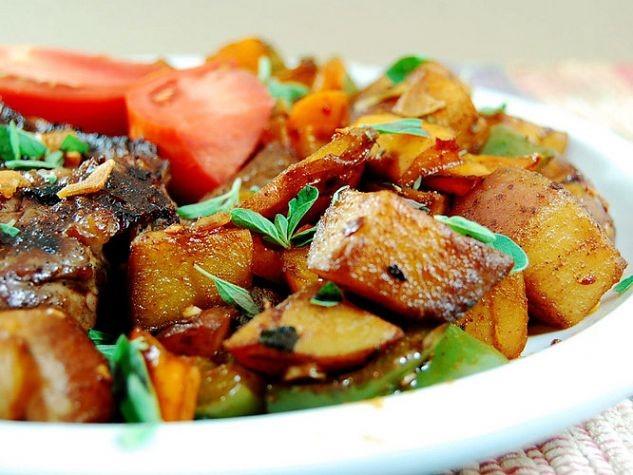 Картофель по-испански — «Patatas bravas»