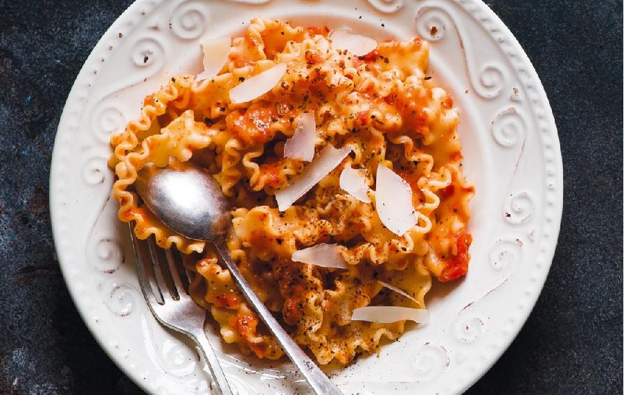 Спагетти с соусом из запеченных болгарских перцев