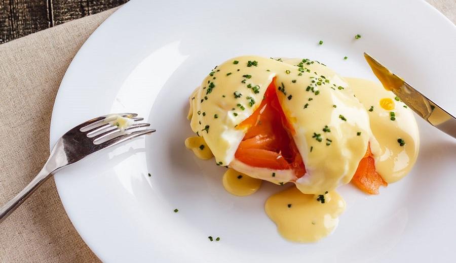 Яйца «Бенедикт» с лососем