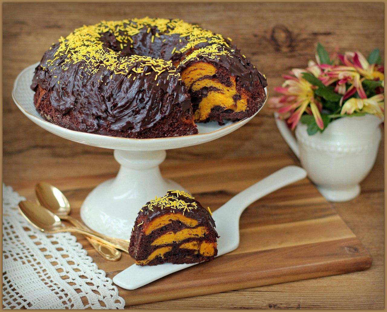Тыквенный кекс в шоколадной глазури
