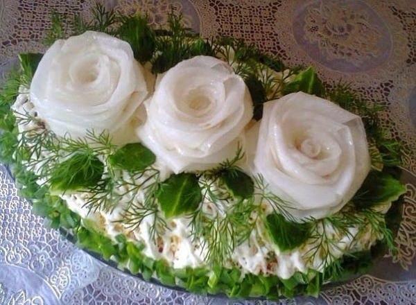 Салат «Три белых розы»