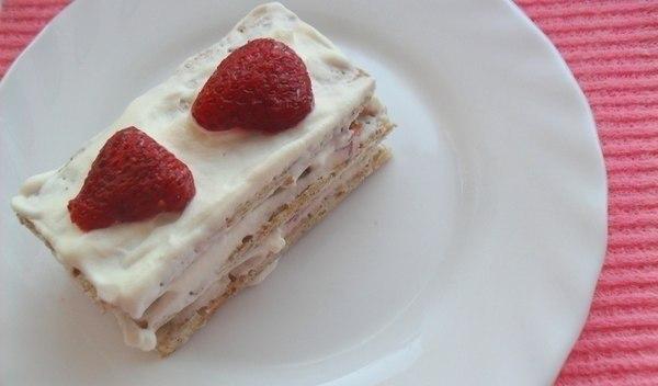 Пирожное «Клубника со сливками»