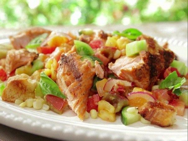 «Салат из грилерованной курицы с кукурузой и свежим огурцом»