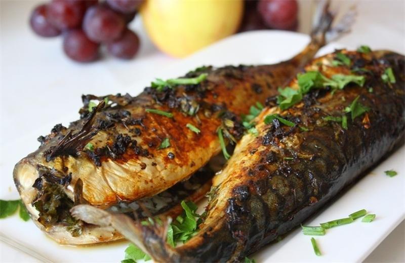 Скумбрия в духовке: идеальный рыбный ужин