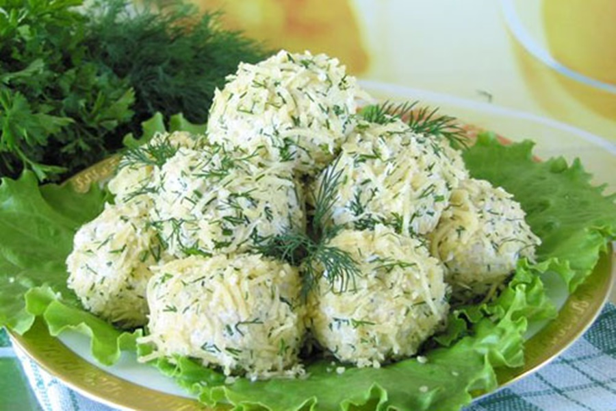 Творожные крокеты с овощным салатом