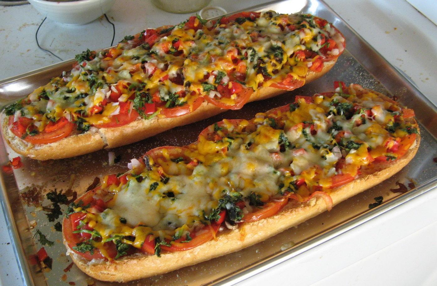 Батон-пицца