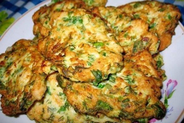 Оладьи из куриного фарша с брокколи