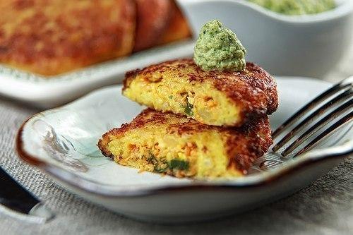 Картофельные зразы с сыром под крем-соусом