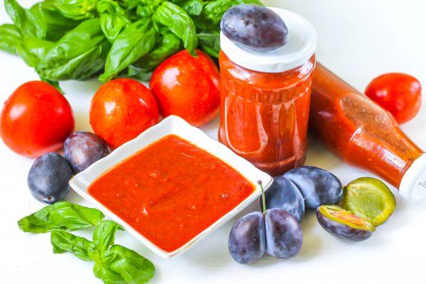 Кетчуп из слив и помидоров на зиму