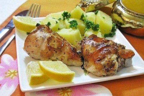 Курица в медовом маринаде запеченная с лимоном