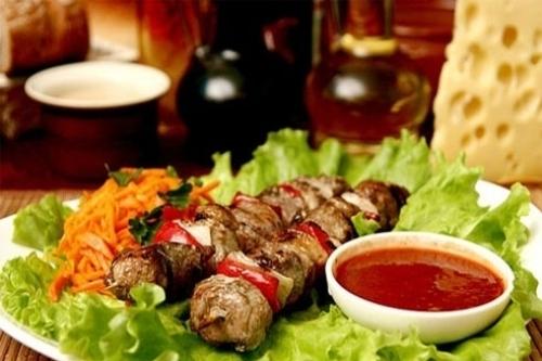 Шашлык из свинины с луком по-грузински