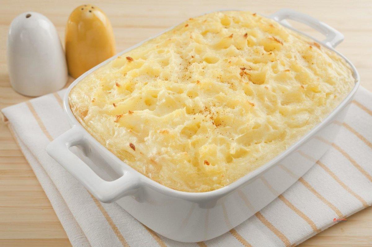 Картофельное пюре под сыром в духовке