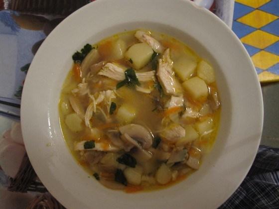 Куриный суп с шампиньонами