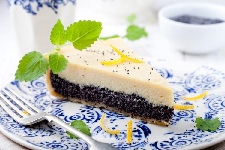 Песочный пирог с маком и творогом