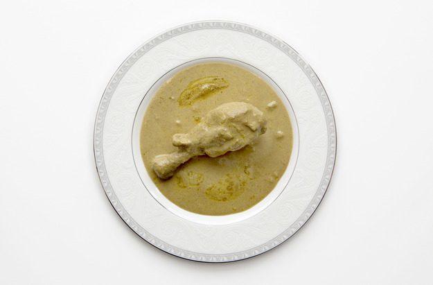 Кусочки курицы, пропитанные нежным соусом с терпким ореховым ароматом!