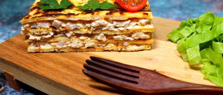 Необычный яичный слоеный омлет с ветчиной и сливочным сыром, который не даст вам проголодаться