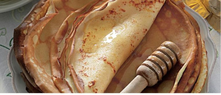 Рецептов блинов на свете много. Но эти какие-то особенные – тонкие, золотистые, с необыкновенным лимонным ароматом