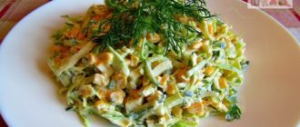 Салат из молодой капусты с кукурузой довольно простой, но очень вкусный! Сочный, свежий, хрустящий, пикантный, легкий, с оригинальной заправкой.