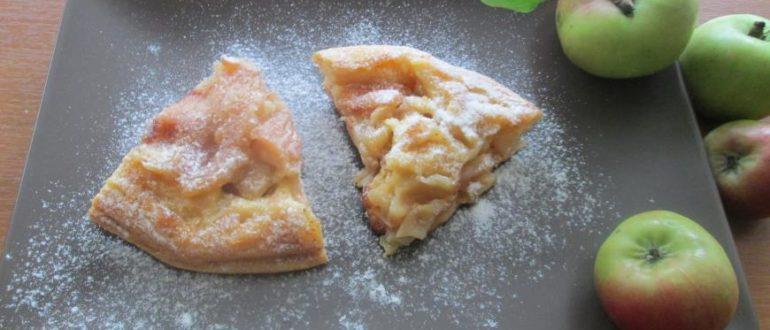 Нежнейший сочный немецкий десерт с хрустящей корочкой из карамельных долек яблок и груш. Очень прост в приготовлении и не очень калорийный, что немаловажно!