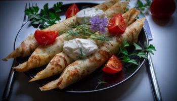 Удивительные блинчики на молоке с сыром и зеленью