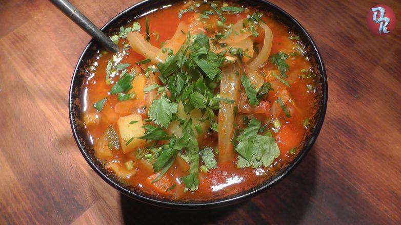 Замечательный борщ с килькой в томатном соусе