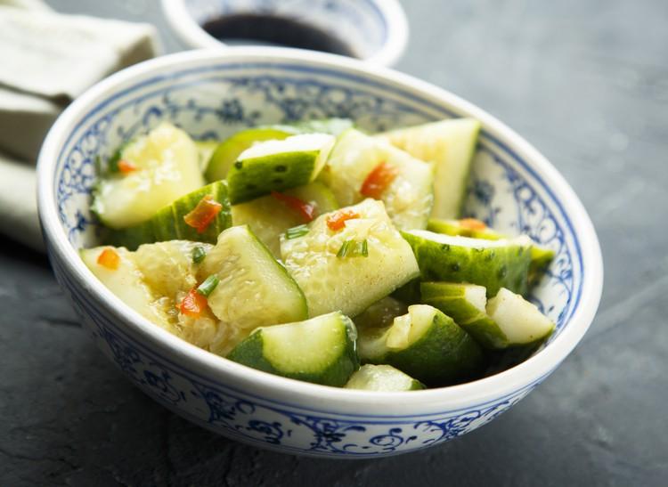 Острый огуречный салат – простой рецепт китайской кухни!