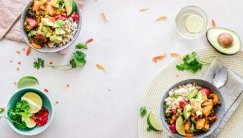 Салат из сезонных овощей с вкуснейшей заправкой