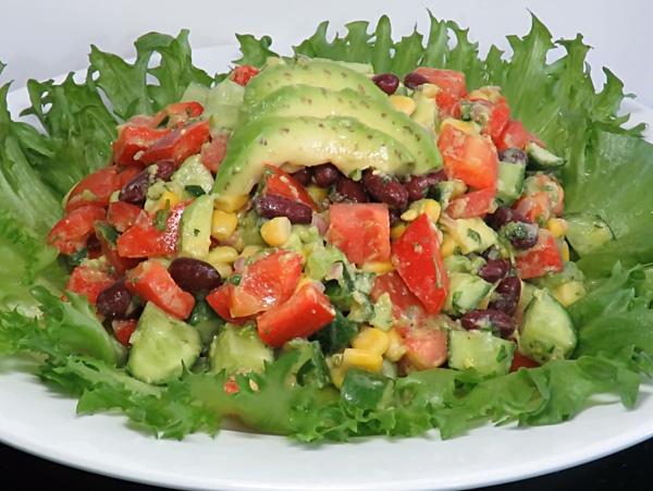 Очень вкусный салат с авокадо