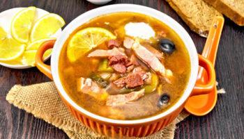 Солянка с картошкой и мясом классическая – пошаговый рецепт