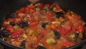 Соте или баклажаны по-гречески – это потрясающая, насыщенная вкусами и ароматами, закуска