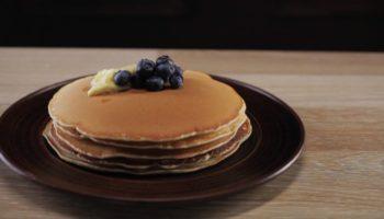 Пышные панкейки — быстрый и вкусный завтрак для всей семьи