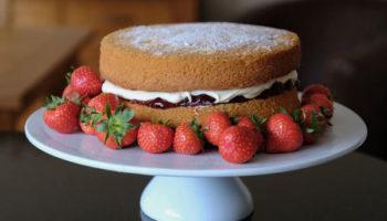 Бисквитный торт «Виктория»