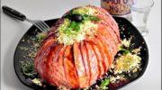 Салат «мимоза» с карамелизованным лососем.