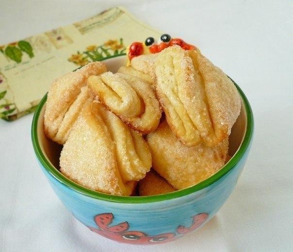 Думаю, все пекли или пробовали у кого-то это печенье! Чудесное! Знакомое с детства! Вкусное! И делать легко!