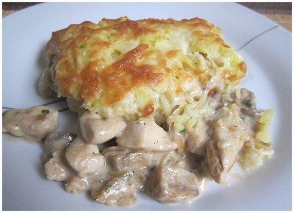 Курица с грибами, запечённая пoд картофелем
