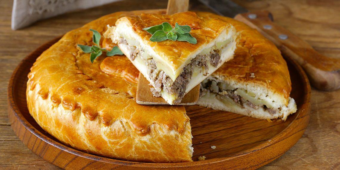 Пирог с мясом и картошкой! Сытный, ароматный и очень вкусный пирог аля-курник.