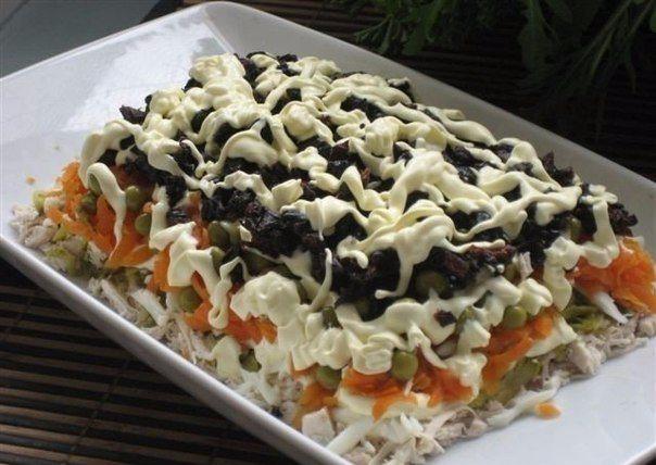 Рецепт этого салата будут выпрашивать все гости. Очень вкусный