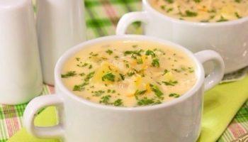 Сырный суп, незаменим в промозглую погоду, отведав его на душе становится теплее.