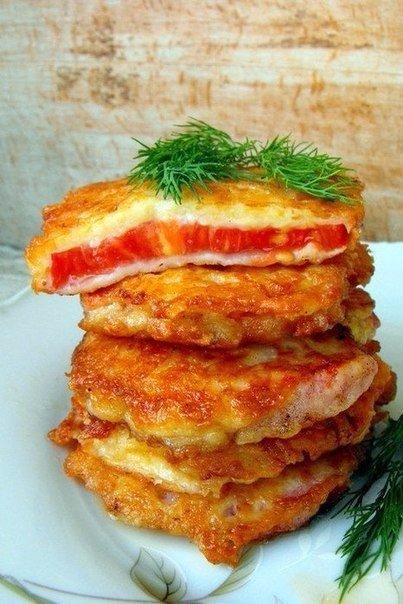 Такие помидоры будут великолепной закуской к приходу неожиданных гостей. Делаются они быстро, а главное, получается очень вкусно!