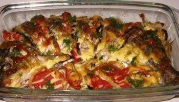 Рецепт очень вкусной запечённой рыбки с овощами!