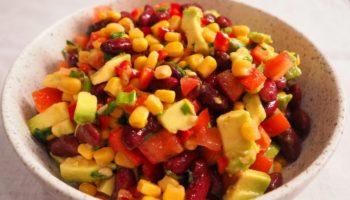 Салат «Мексиканский» с фасолью и кукурузой