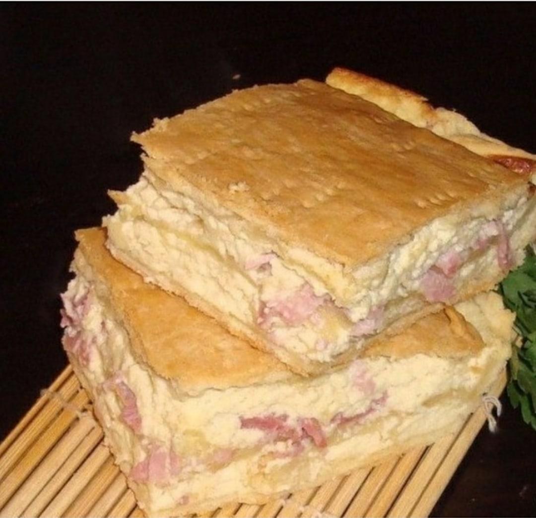 Хрупкое тесто, нежная начинка, доступные продукты, простота в приготовлении, замечательный вкус. Все это можно сказать об этом пuроге.