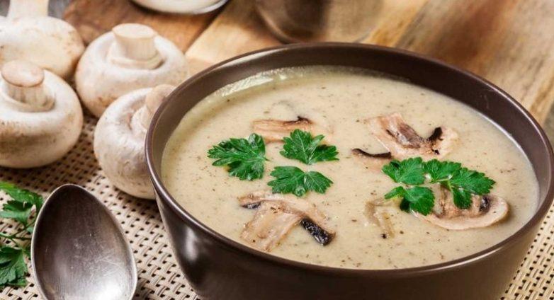 Ароматный сливочный суп с грибами