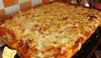 Быстрая пицца на противне, мои домашние обожают когда я готовлю такую