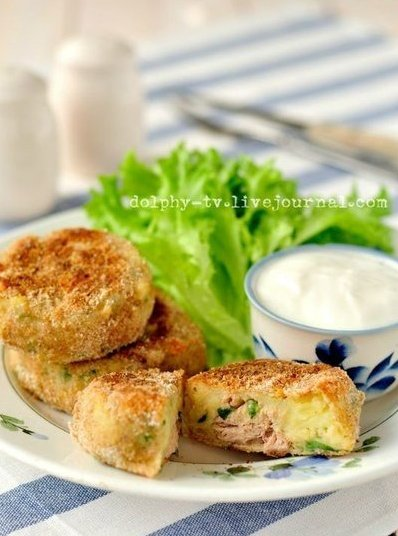 Котлетки из картофеля с тунцом