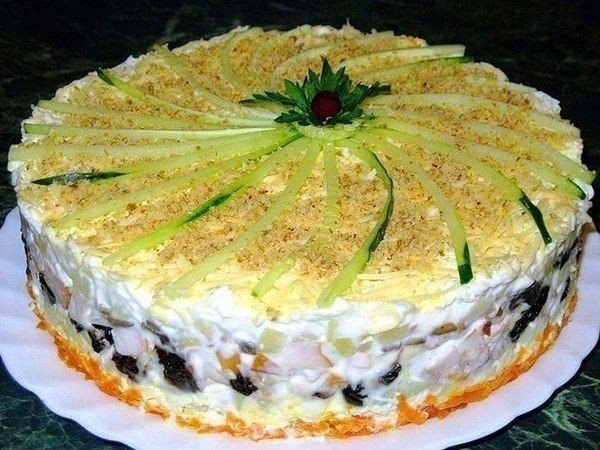 Обалденный слоеный салатик!