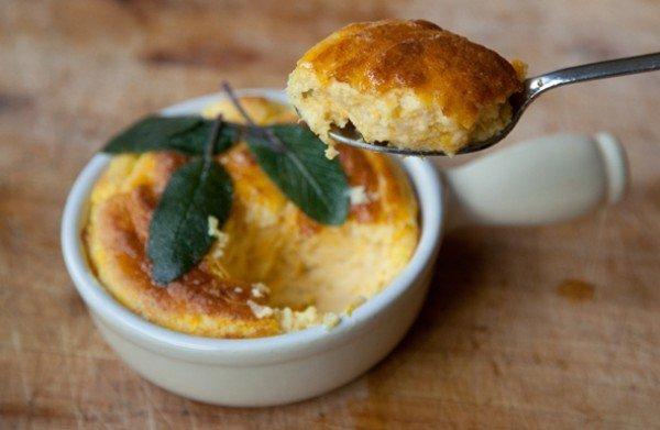 Рецепт нежного суфле из тыквы. Этот десерт можно подавать на завтрак.