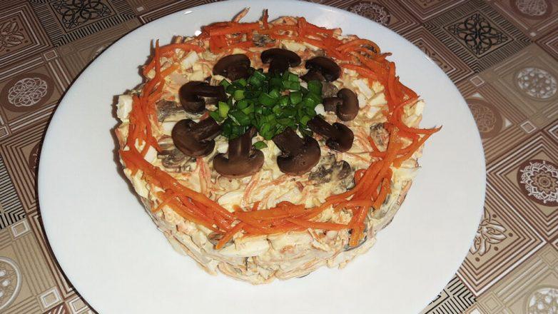 Салат с копченой курицей, грибами и морковью по-корейски за 15 минут!