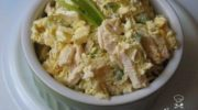 Сегодня предлагаем вашему вниманию Салат из пекинской капусты с курицей для его приготовления нам понадобится.