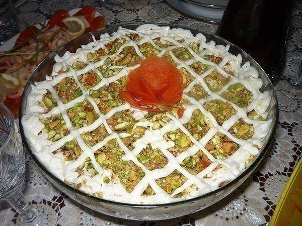 """Слоеный салат """"Нежность"""", самый вкусный который я пробовала!"""